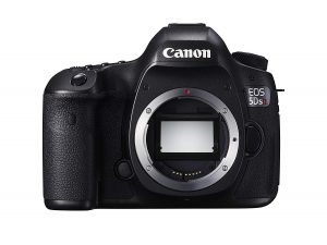 Canon EOS 5DS R Digital SLR with Low-Pass Filter Effect Cancellation